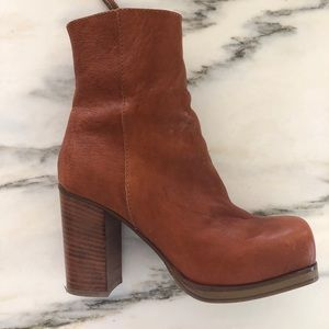 BASICALLY NEW ACNE BOOTS